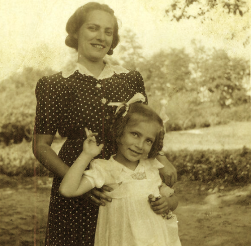 Eva Edit Weinberger with her mother